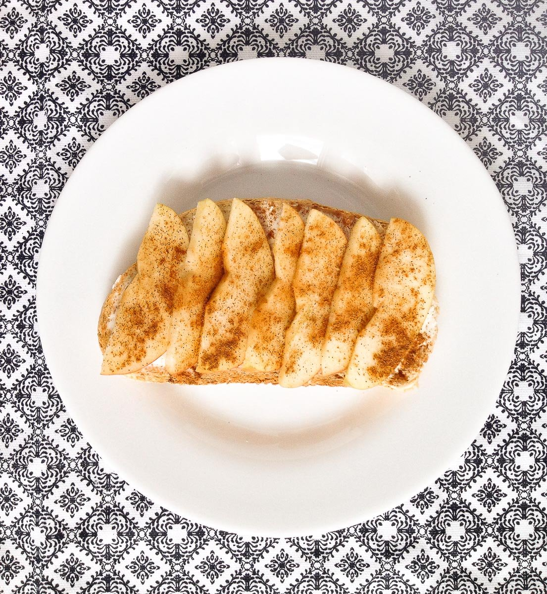 Easy breakfast: Cream Cheese and Apple Toast by PaletteDining.com