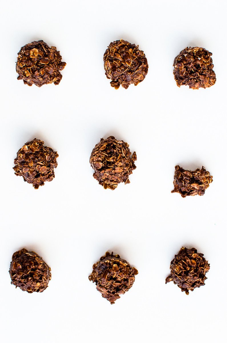 No-bake Chocolate Coconut Cookies by PaletteDining.com #vegan #glutenfree