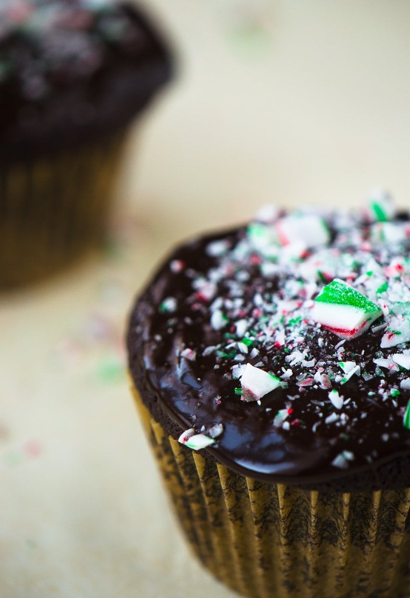 Chocolate Peppermint Cupcakes - one bowl and no mixer needed! @katyskitchen_